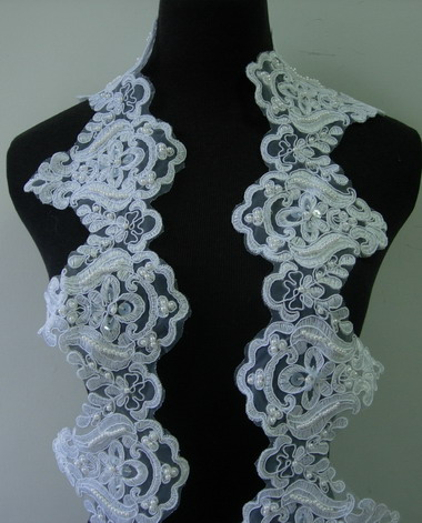 "TL145 4.7"" White Bridal Floral Sequin Pearl Bead Lace Edging 1Y"