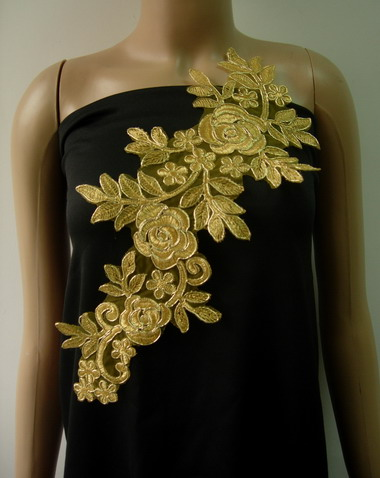 VF221 Trendy Floral Rose Metallic Gold Trimming Lace Applique